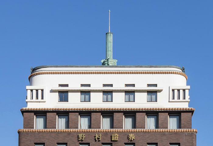 Nomura Securities Tokio Art Decó